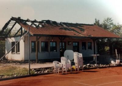 Blitzschlag Tennisheim