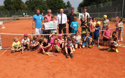 """Sparkasse unterstützt uns bei """"Sport nach 1"""" mit 500 Euro"""